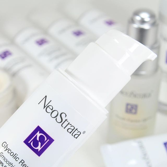 NEW POST ON THE #BLOG! The #Skincare Brand I recommend to my family and friends! ✨ @neostratacanada! ⬆️Link in Bio⬆️ #beauty #beautybloggers #bbloggers #bbloggersca #antiaging #Acne #Neostrata #Love #Family #Friends #Yvr #Vancouver #LondonDrugs #ClearSkin