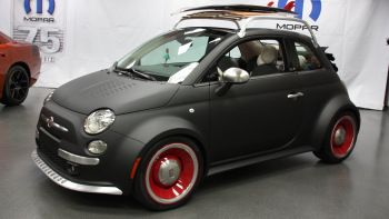 View detailed pictures that accompany our Mopar Fiat 500: SEMA 2012 article with close-up photos of exterior and interior features. (15 photos)