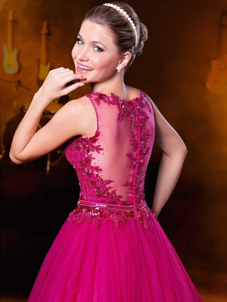Modelos de vestidos de 15 anos modernos e exclusivos, desenvolvidos pelos nossos estilistas com a dedicação total em agradar as…