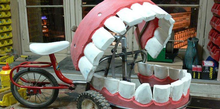 GREFFER UNE DENT SUITE À UNE ANALYSE D'URINE (2015) Des chercheurs chinois (l'Institut de biomédecine et de santé de Canton)ont réussi à créer une dent humaine à partir de cellules contenues dans de l'urine. Ils pourraient ainsi remplacer les dents perdues par certains patients...