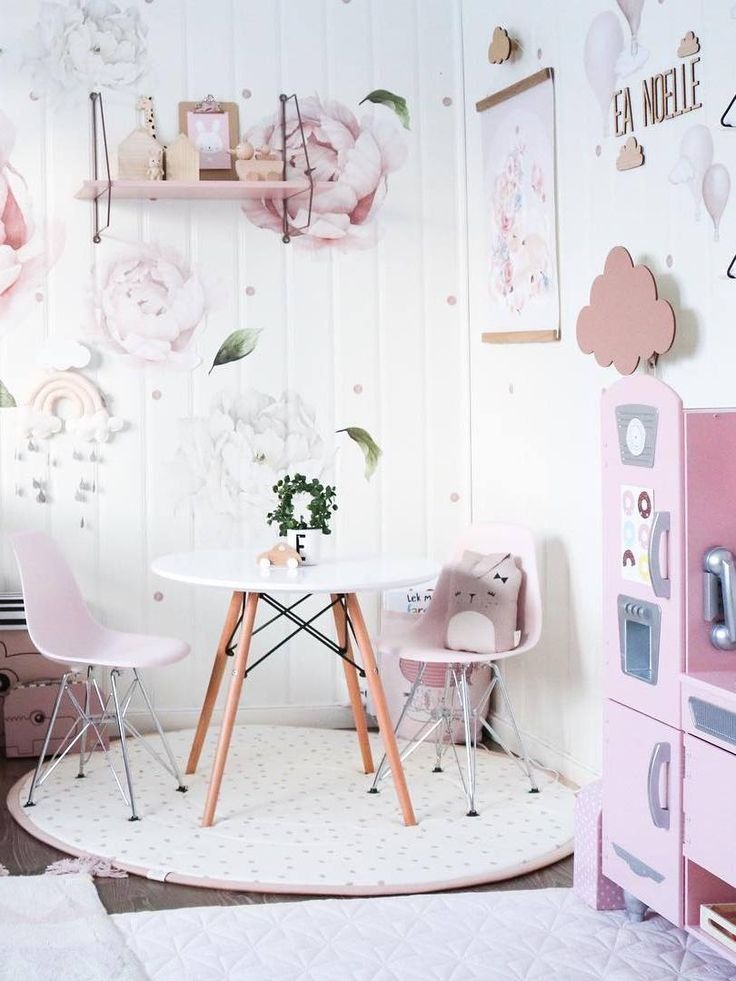 Inspiration from Instagram - I S E L I N B E A T R I C E @iselin_beatrice - pastel girls room ideas, pink and white girls room design, kidsroom decor, girls kidsroom, powder, table, chair, kids kitchen, decor, design