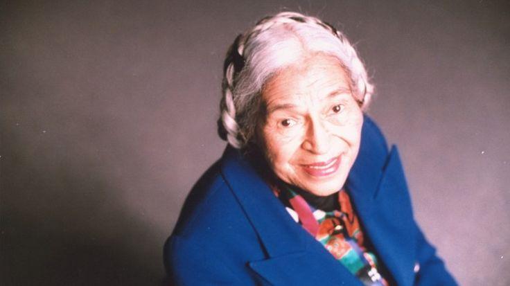 Rosa Parks foi símbolo do movimento dos direitos civis dos negros nos Estados Unidos durante os anos 60. Parks ganhou fama após ter recusado ceder lugar no ônibus a um branco, no ano de 1955