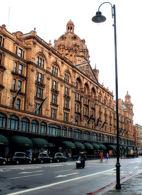 Knightsbridge, Harrods , London HARRODS I WAS THERE AT CHRISTMAS AND LET ME TELL YOU IT WAS MAGICAL