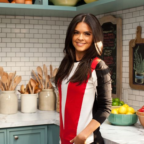 """Chef Katie Lee tells us about her new Cooking Channel show, """"Beach Bites"""" and whips things up in our kitchen. Read More"""