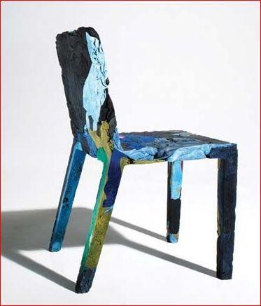 Casamania, Met spijkerbroeken en spijkerstof beklede stoel