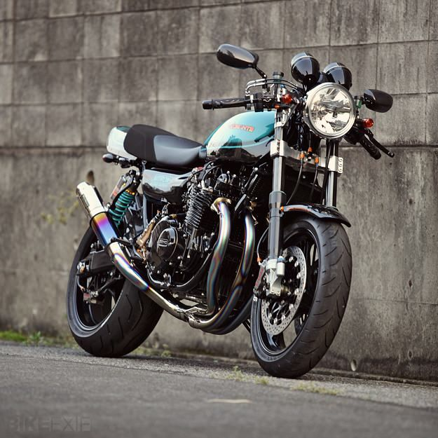 Stunning Kawasaki Z1 that was built by Japanese customizers at Bull Dock and the team at British suspension maker Nitron.