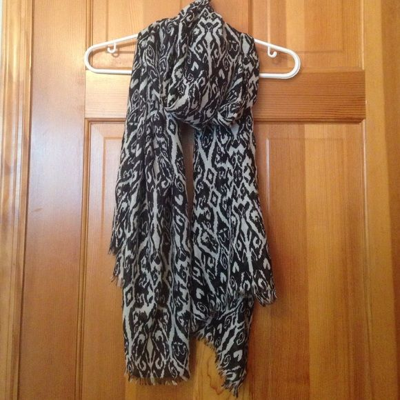 CHARMING CHARLIE BLACK AND WHITE SCARF BLACK AND WHITE SCARF. NEW NEVER USED Charming Charlie Accessories Scarves & Wraps