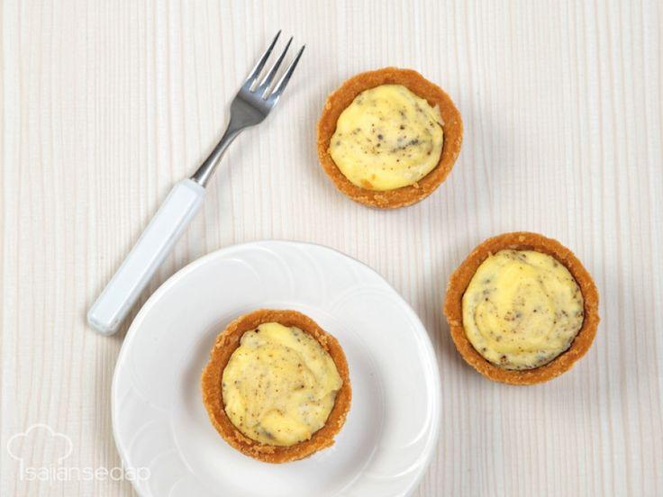 Ayo simak cara mudah membuat hokkaido oreo cheese tart yang lumer di mulut. Lewat video ini, membuat kue yang manis dan lembut ala bakery itu tidak mustahil!