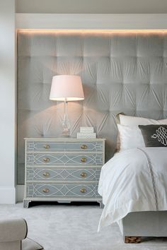 upholstered wall, tr