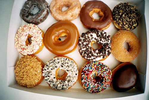 so hungry :/Delicious Desserts, Diet Tips, Best Recipe, Donuts Boxes, Yum Donuts, Delicious Recipe, Healthy Recipe, Dazzle Donuts, Food Donuts