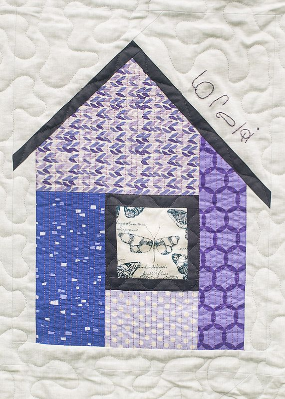 Meer dan 1000 afbeeldingen over house quilts op pinterest for Modern house quilt block