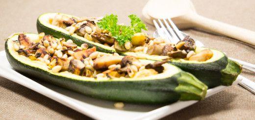 Gevulde courgette met kip, weer een prima gerecht voor in een natriumarm dieet en als je wil koken zonder zout, maar toch smaakvol wil eten.