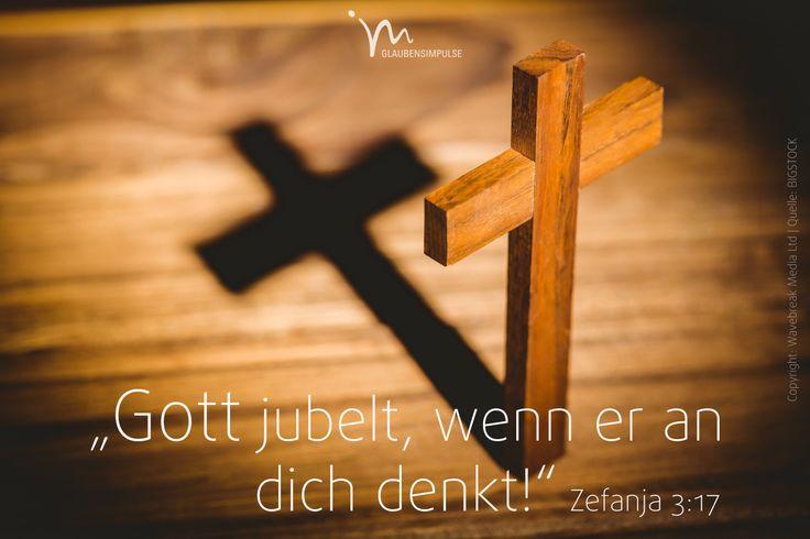 """""""Der #Herr, euer #Gott, ist in eurer #Mitte; er ist #stark und #hilft euch! Von ganzem #Herzen #freut er sich über euch. Weil er euch #liebt, redet er nicht #länger über eure #Schuld. Ja, er #jubelt, wenn er an euch #denkt!«"""" #Zefanja 3:17 #glaubensimpulse"""
