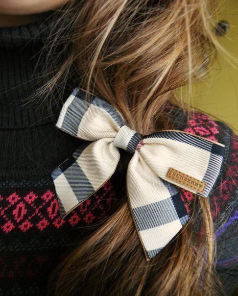 Burberry hair bow