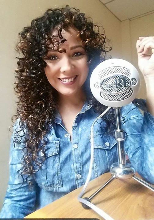 Leticia Tinoco, locutora y voz institucional de empresas nacionales, es docente de la materia de locución. #Locución #LaVoz #Docente #Comunicación #Periodismo #ComunidadUniversitaria #Comsocucsg #Tecnología #UCSG