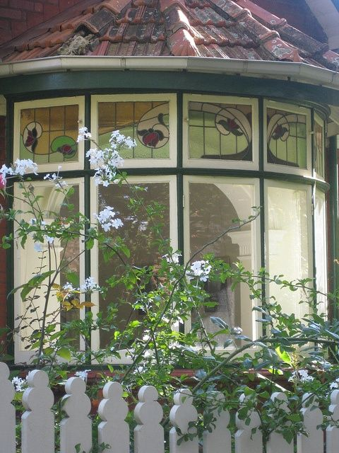 17 best images about studio windows on pinterest queen for Queen anne windows