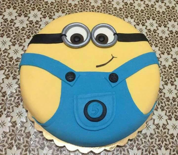 Minions cake...