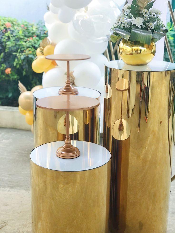 #christeningdecor #baptism #balloogarland #backdrop #goldandwhite #abidjan #backdrop #balloons #goldballoons #whiteballoons #christening #eventdecor #ceremonydecor #eventstylist #gold #dmveventstylist #weddingabidjan #abidjandecor