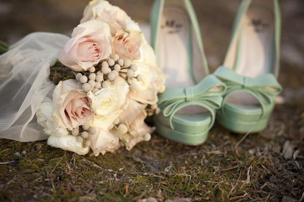 Mint bridal shoes and light pink bouquet