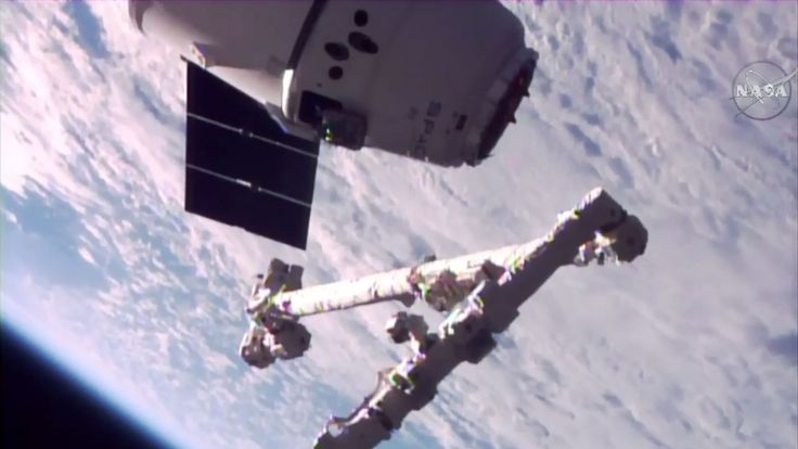 SpaceX's re-launched Dragon capsule arrives at the ISS - http://www.sogotechnews.com/2017/06/05/spacexs-re-launched-dragon-capsule-arrives-at-the-iss/?utm_source=Pinterest&utm_medium=autoshare&utm_campaign=SOGO+Tech+News