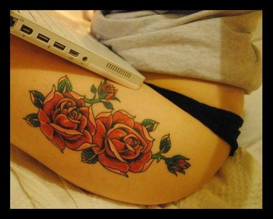 tatouage cuisse femme rose. Black Bedroom Furniture Sets. Home Design Ideas