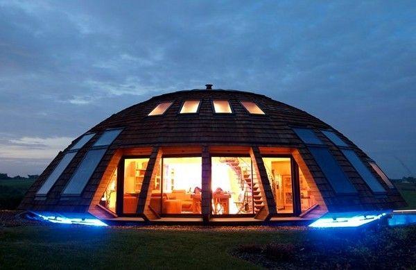 Статья о том, как построить купольный дом своими руками   http://svoimi-rykami.ru/stroitelstvo-doma/stroitelstvo-doma-stroitelstvo-doma/kupolnyj-dom-svoimi-rukami.html#i-5  #купольныйдом #круглыйдом