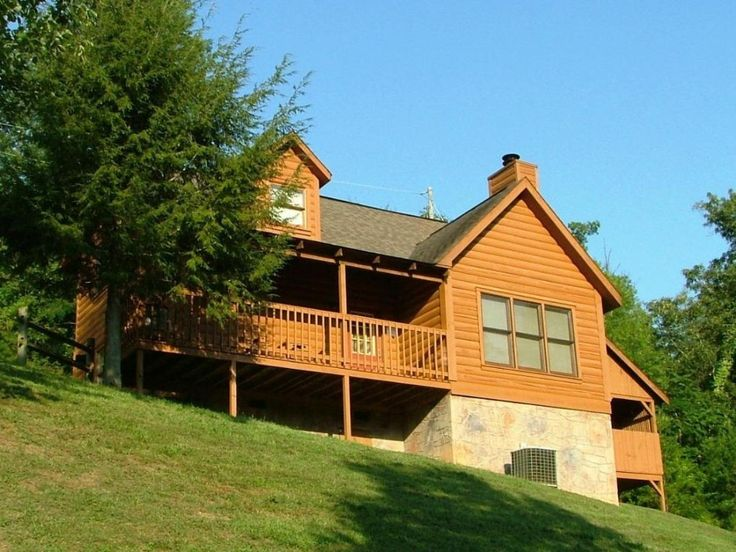 Large log cabin close to dollywood free homeaway for Large cabins in pigeon forge tn