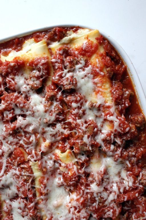 Recipe for Baked Manicotti with Meat Sauce