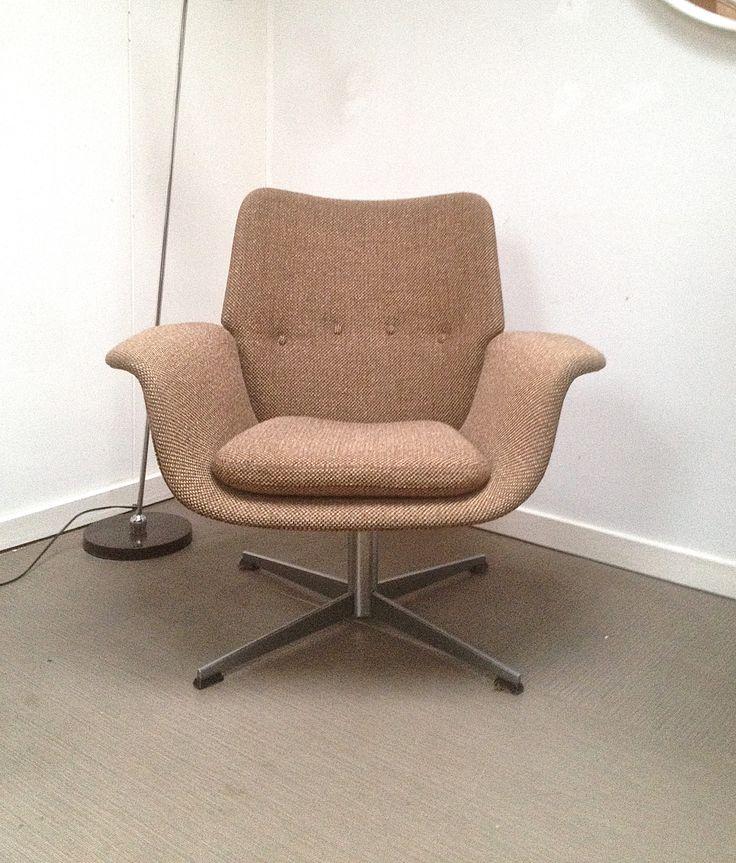 Easy Chair, fauteuil jaren 60 for sale 0n WWW.vintage-station.com