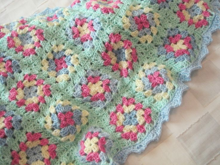 Baby blanket, basic granny square Crochet patterns ...