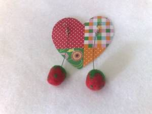 felted strawberries ( earings) toooooo cute!!!
