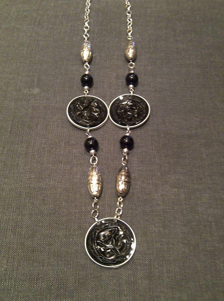 Collana lunga con cialde nere ed elementi argento   cod. CL21