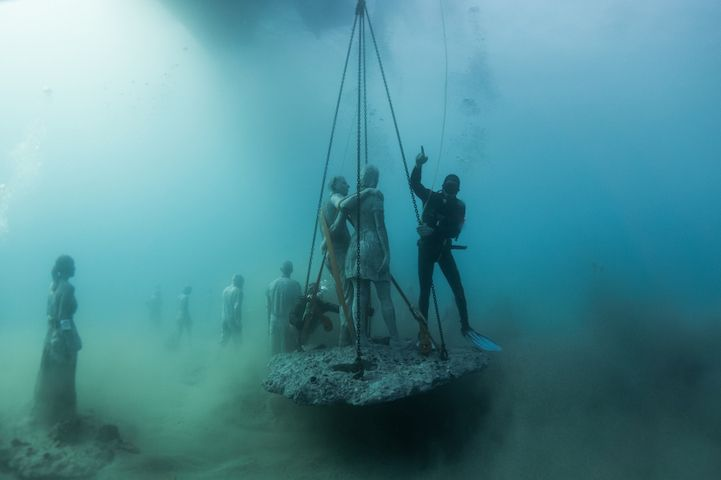 Hyperrealistic-Human-Sculptures-Submerged-in-Europe's-First-Underwater-Art-Museum-5