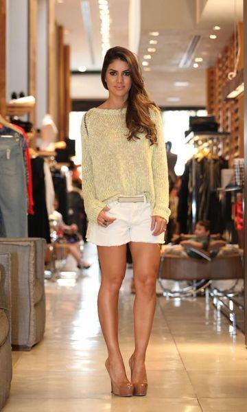 Look: Camila Coelho - Tricot Amarelo