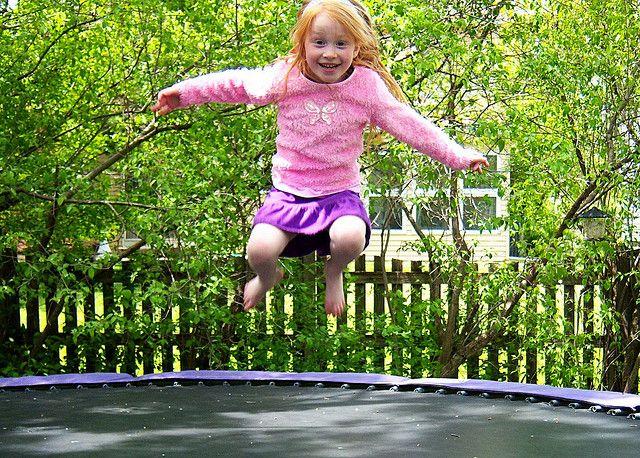 Dzieci uwielbiają skakać na trampolinach ze sklepu www.trampoliny.pl  #trampoliny #trampolina #trampoline #trampolines #dzieci #kids