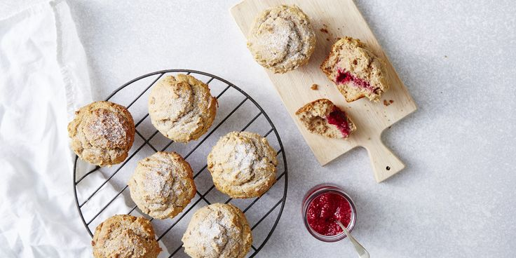 Jam Donut Muffins via @iquitsugar