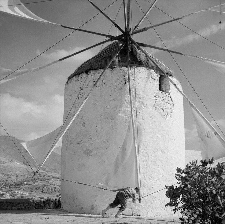 ΠΑΡΟΣ 1965 ΦΩΤΟΓΡΑΦΙΑ ΖΑΧΑΡΙΑΣ ΣΤΕΛΛΑΣ