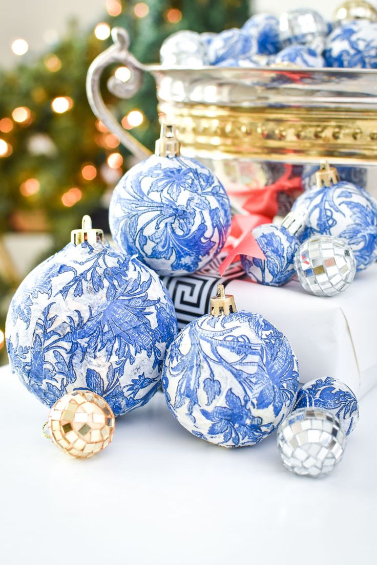 DIY Dollar Store Blue & White Chinoiserie Ornaments