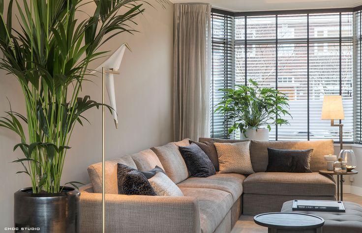 choc studio - modern chic interiors - interieurontwerp en realisatie - woonkamer stadswoning, hoekbank, Meridiani - photography: Denise Keus