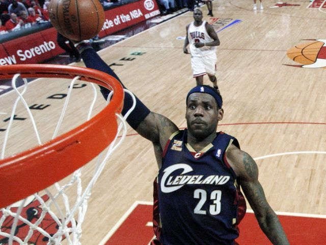 LeBron James only takes 2-year contract with Cavaliers via @USATODAY