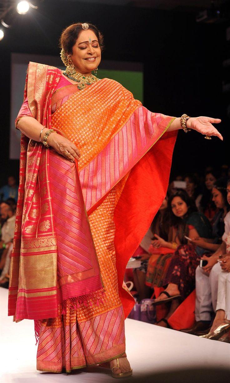 Kirron Kher in a traditional Bengali sari for Gaurang Shah | Lakme Fashion Week