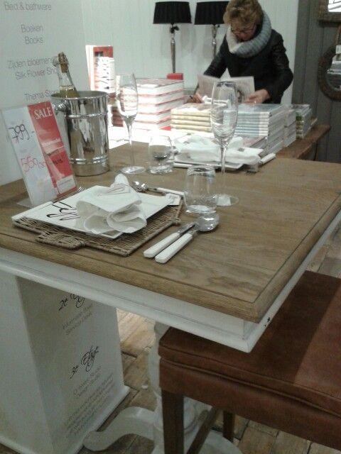 Hoge bartafel vierkant voor keuken