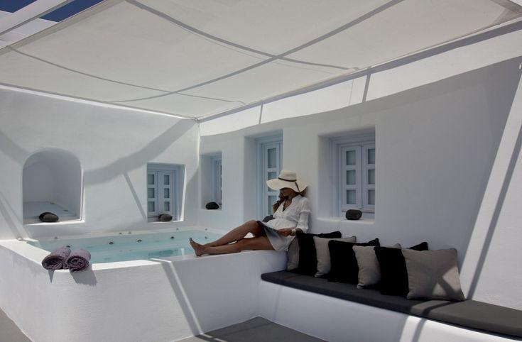 Holiday Villa in Santorini, Greece - Traditional renovated villa with Jacuzzi in Santorini