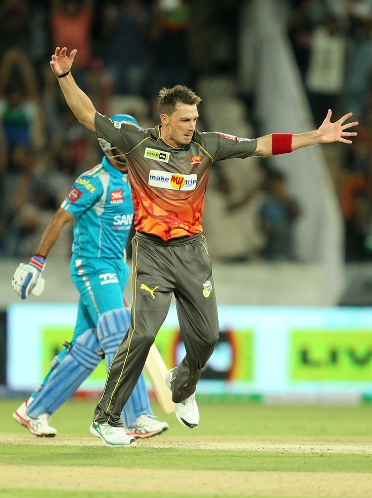 The best fast bowler in the world ! Dale Steyn. He does it again