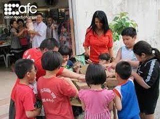 Farah Quinn @farahquinnofficial was being judge of The Big Break - Asian Food Channel Singapore 2012 | source : www.asianfoodchannel.com  #FarahQuinn #FarahQuinnOfficial #celebrity #chef #TV #Show #TheBigBreak #AsianFoodChannel #AFC #singapore #judge #2012 #throwback #personality #public #figure #artist #shooting #love #Quinners #followme @quinnersofficial http://tipsrazzi.com/ipost/1513603139553810473/?code=BUBZgk4BVgp