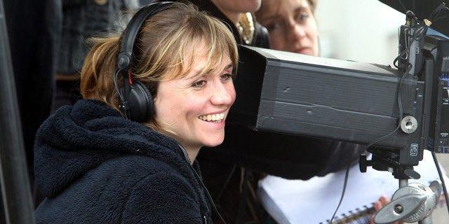 """La réalisatrice Katell Quillévéré sur le tournage du film """"Suzanne"""", à Sète (19 octobre 2012)"""