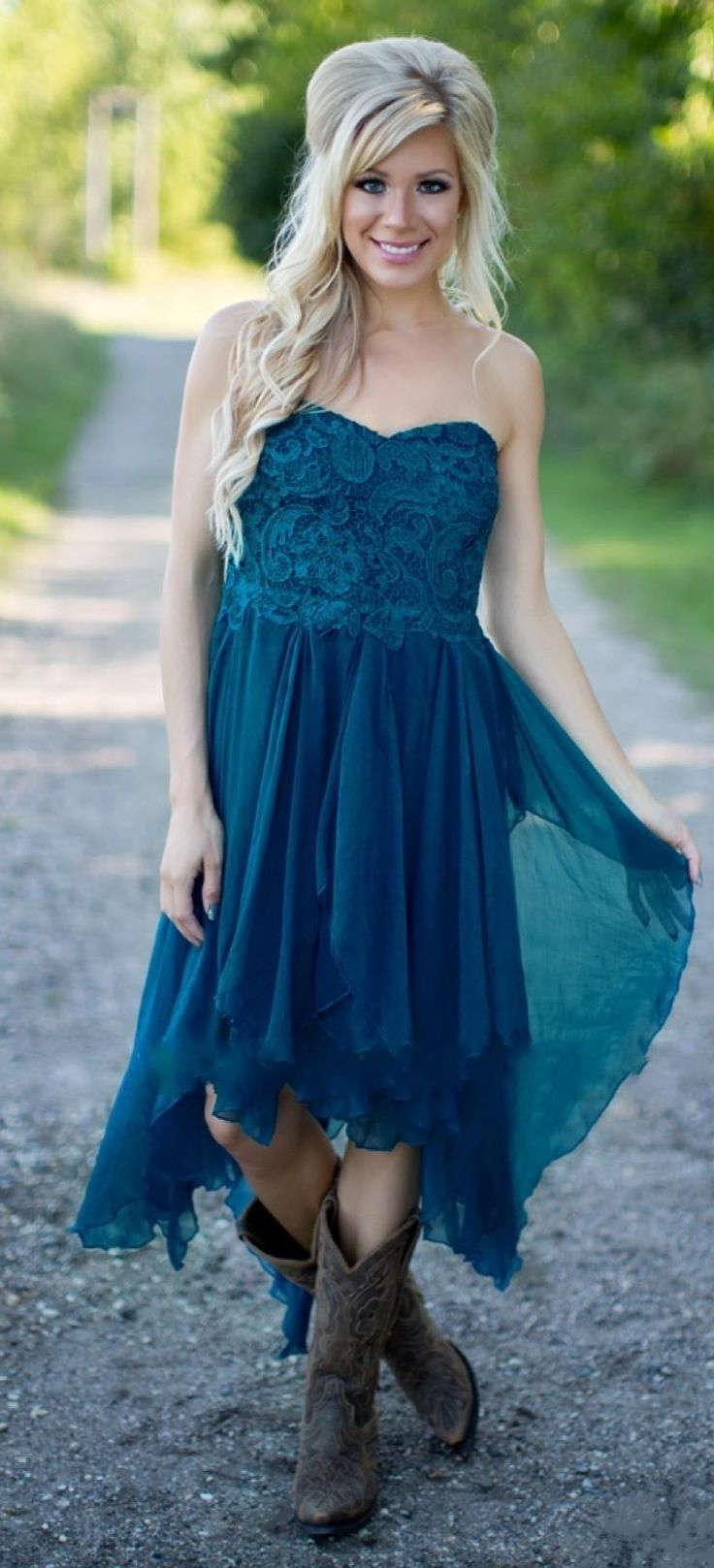 2016 Teal Country Bridesmaid Dresses Lace Top Tiers