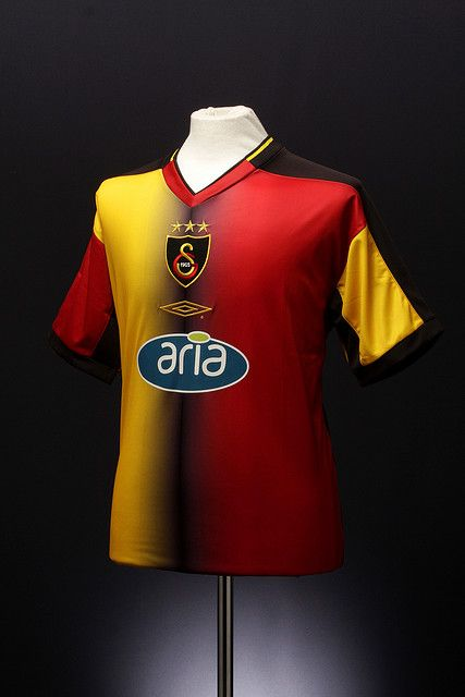 Galatasaray Football Shirt (home, 2003 - 2004)