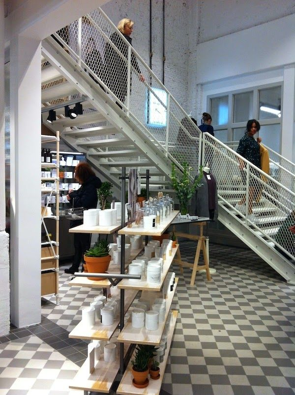 I love to cover beautiful stores in my hometown Amsterdam and I was happy to see & Other Stories Amsterdam opened it's doors yesterday!