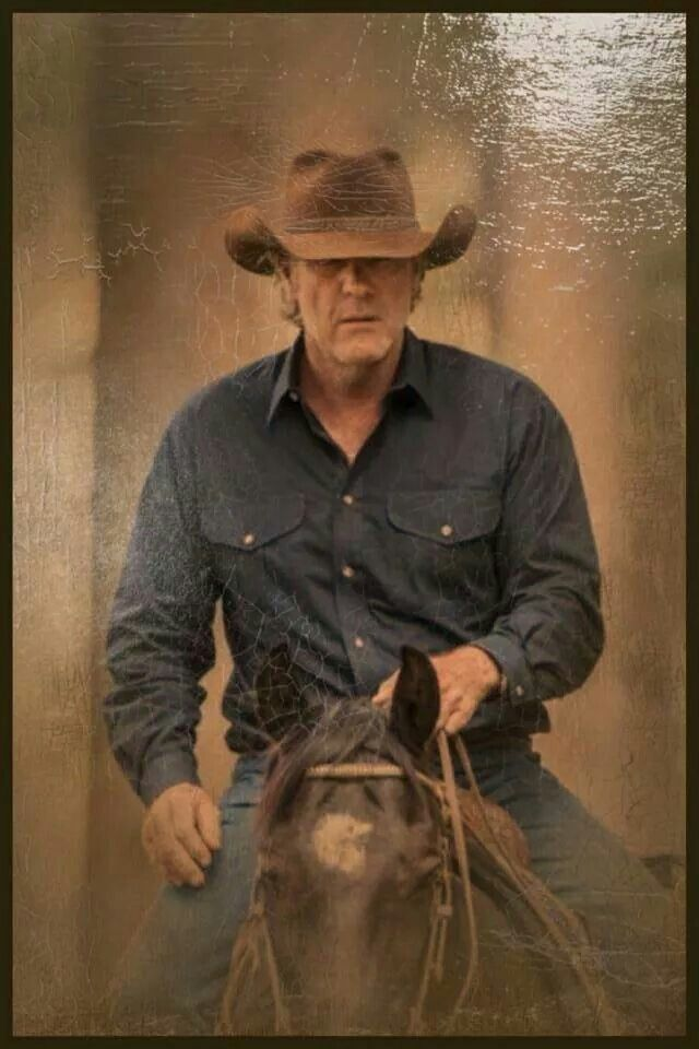 longmire women If you're pining for the new season of longmire author thelma adams on strong, silent men, kickass women and longmire july 8, 2016.